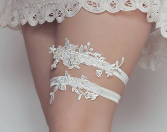 W2 - White lace garter - Wedding garter - Bridal garter - Garter belt - Lace garter - Garter set