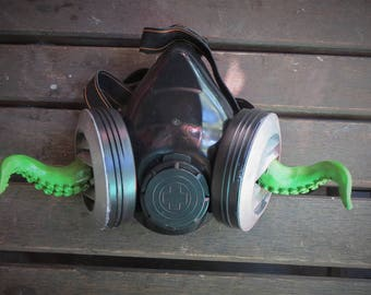Tentacle vent gas mask. Octopus Cthulu mask