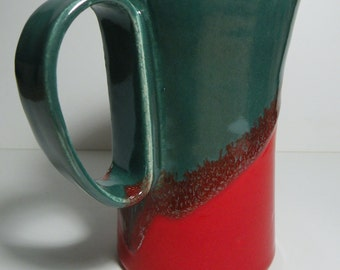 Ceramic coffee mug in stunning red and green design