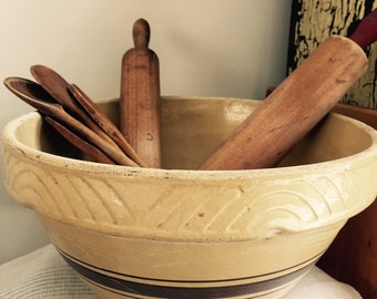 HUGE// Antique// Rustic// Yelloware// Brown Striped// Batter Bowl// Primitive Farmhouse// Awesome OLD Find!