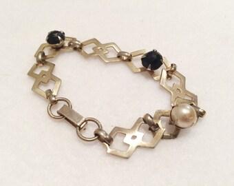 Vintage Faux Pearl and Faux Onyx Gold Tone Bracelet