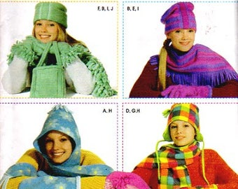 Simplicity Pattern 4849 Misses Fleece Hat, Scarf, Mittens, Bag  UNCUT Size One for all