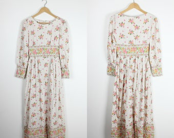 Pretty Boho 70s Vintage Prairie Dress with Floral Bouquet & Border Calico Look Fabric Long Maxi Dress