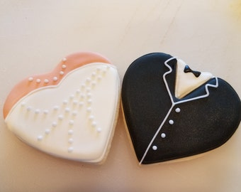 Lovely Heart Shaped Wedding Dress Cookie Favor, Wedding Dress , Heart Cookie Favor, Wedding Cookie Favor