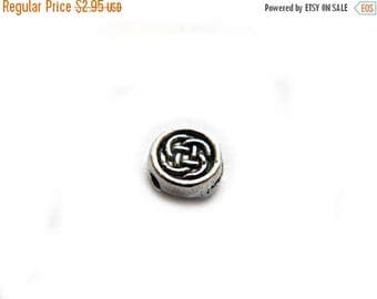 HALF PRICE 10 Silver Small Round Celtic Knotwork Beads