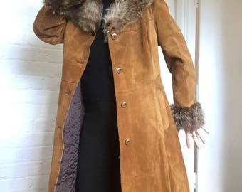 SALE ****Sweet caramel, suede coat with fur trim