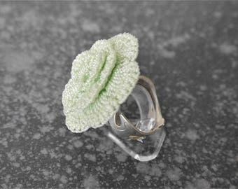 Ring green pistachio crochet