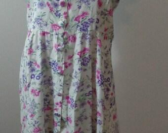 HALF PRICEVintage Summer Dress Button Up Flow Dress Karin Stevens Size 12 Vintage Flower Dress White with Purple and Pinks Modest Dress