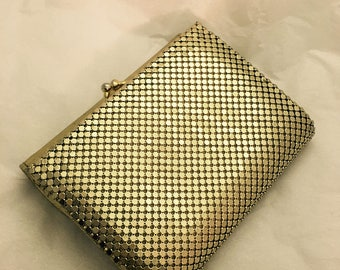Vintage Golden Whiting and Davis Mesh Coin Purse in Superb Condition