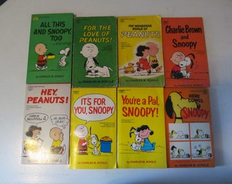 Set Of Eight (8) Vintage / Retro 1960s / 60s Era Peanuts / Snoopy / Charlie Brown Comic Strip Books By Charles M. Schulz
