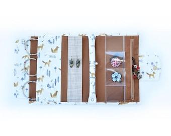 Jewelry holder, jewelry roll, jewelry travel case, travel jewelry organizer, Bijou bag, Roll storage, jewelry bag, fox print, brown, white