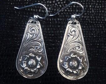CHRISTMAS 2016 Sterling Silver Wildflower Pendant Earrings