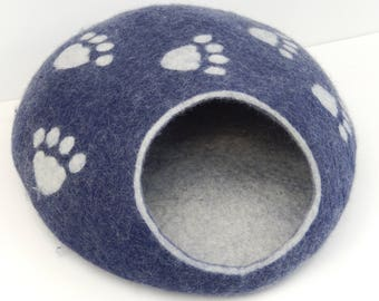 Felted Wool Cat Cave, Cat House, Cat Bed. Made in SCOTLAND, Edinburgh. Made by Feltingstudio