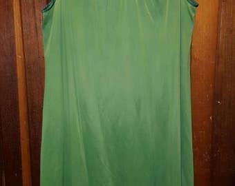 EVER GREEN BED // 70's Lingerie Slip Dress Size L Flowers Dark Green Bedroom Nightgown