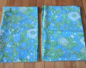 Vintage 1960s Green Blue Floral Flower Pillowcases!
