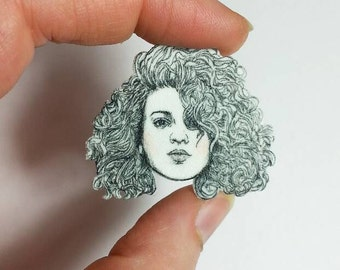 Tori Kelly/Toraays/Illustrated Pin/Pin/Necklace Charm