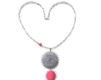 Necklace with filigree pendants and  fabric botton