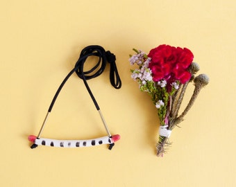 Jane 'bar' porcelain necklace with red highlights