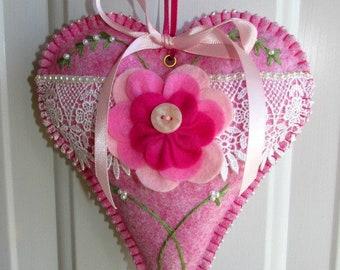 Wool Felt Venice Lace Heart in Pixie Pink