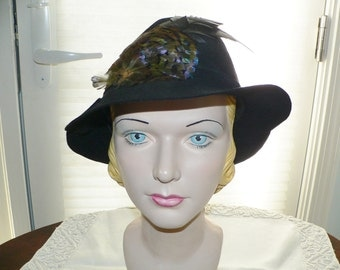 1930s 1940's Black Felt Slouch Hat with Feather Trim