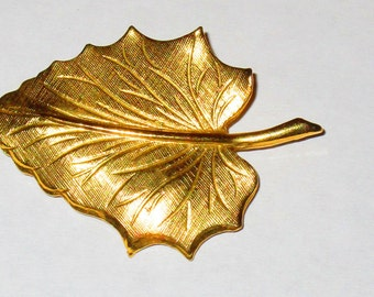 Vintage Gold Tone Leaf Pin Brooch 2 Inch