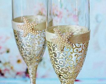 Ivory Starfish wedding champagne glasses, Beach Wedding glasses,  Wedding toasting glasses, Beach wedding champagne glasses, Wedding gift