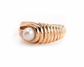Vintage Diamond Pearl 14 k Yellow Gold Ring