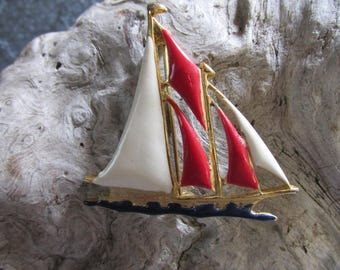 Red, White, and Blue Patriotic Sailboat Pin Brooch With Gold Tone Accents