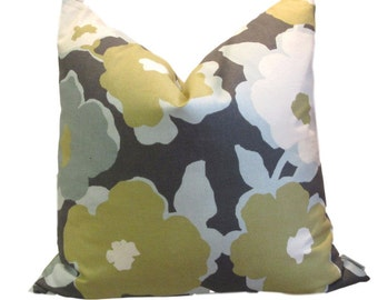Retro Blue Floral Print Pillow Cover