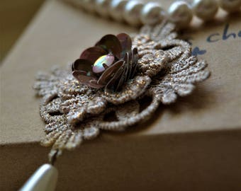 acrylic pearl necklace with lace pendant