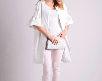 White spring/summer coat with texture and ruffle sleeves LIMITED EDITION