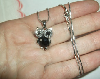 """Vintage Crystal & Black Silver Owl Necklace on a Shorter 15"""" Silver Chain, Excellent Condition"""