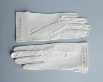 Unused 60 Ivory Leather Gloves // Size 7,5