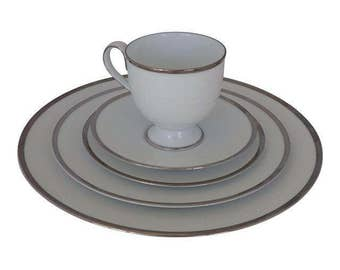Vintage 1970's to 1980's Noritake Ireland 2865 Brigette 5 Piece Place Setting with White and Platinum Rim