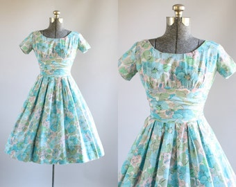 Vintage 1950s Dress / 50s Cotton Dress / Youth Fair Juniors Turquoise and Pink Floral Dress w/ Shelf Bust S