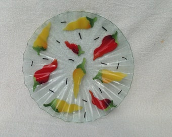 "Sydenstricker Fused Glass Rare Chili Peppers 11 3/4"" Round Serving Tray"