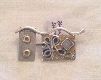 Quirky 925 Silver brooch