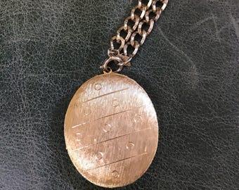 Vintage Locket, Gold Locket, Oval Locket, Sarah Coventry, Lockets, Long Necklace, Gold Chain Locket, Vintage Lockets, Gold Chains