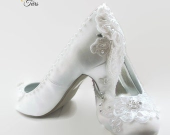 White satin and lace wedding shoes, bridal footwear, white wedding shoes, white lace wedding shoes,