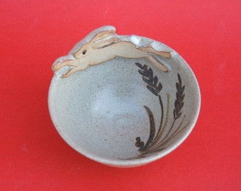 Bowl with leaping hare