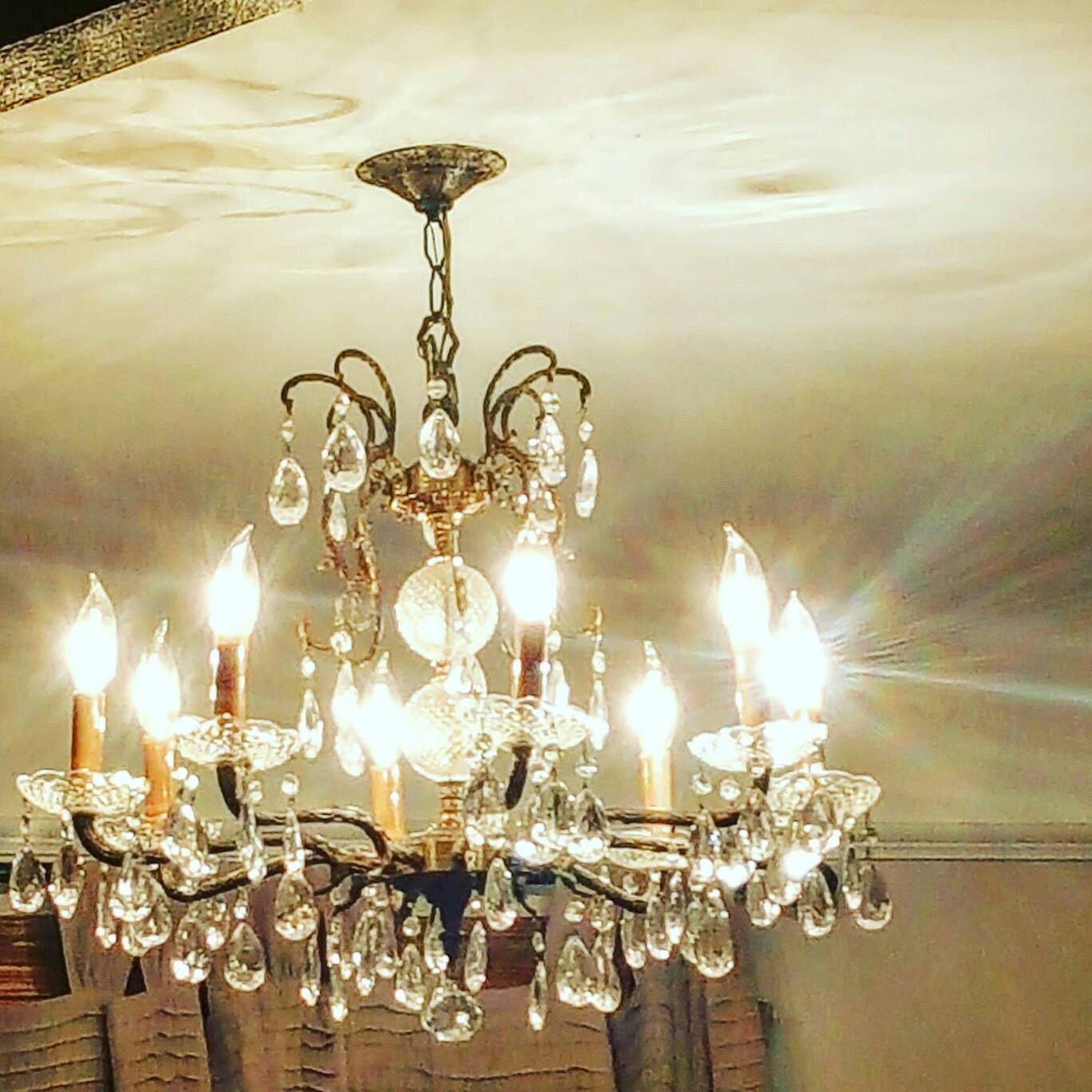 Antique chandelier 8 bulbs made in spain underwriter laboratories arubaitofo Image collections