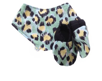 Green Leopard Print Baby Shoes and Bandana Gift Set