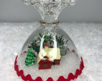 pretty little Christmas decoration in glass