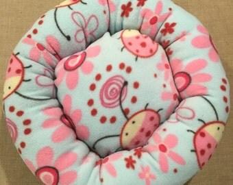 Fleece Ladybug 15 inch Round Pet Bed