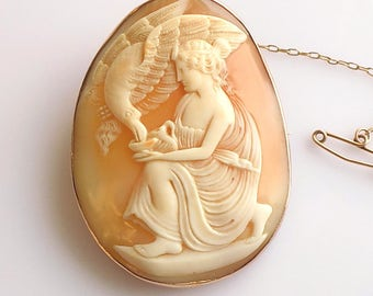 Victorian Gold carved shell Hebe and Eagle Cameo brooch, Fine jewellery