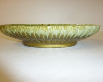 Vintage Green Drip Pottery Bowl Large Oval Scalloped Mid Century 1950's Made in USA Serving Salad Home Decor Bowl Olive Avocado Mint Green