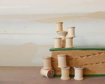Vintage Wooden Spools / Thread Spools / Instant Collection