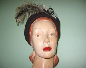 1940's-50's Dark Brown Wool Profile Beret with Sheared Ostrich Feather, a New York Creation!