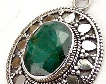 PENDANT IN EMERALD, jewelry Emerald, natural stone pendant, emerald jewels, emerald for pw16