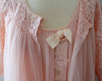 50s Vintage Lingerie set by Shadowline// Piegnoir and Nightgown Pink with Pink Lace - Soft New Old Stock Never Worn Nylon size Meditm to Lg